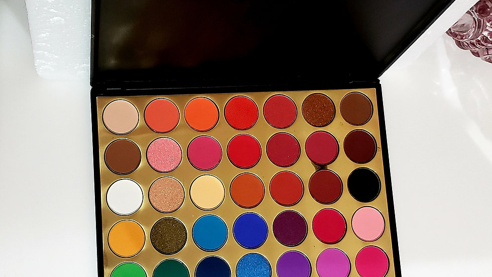 Pigmented Shimmer & Matte Makeup Eyeshadow Palette.Long Lasting