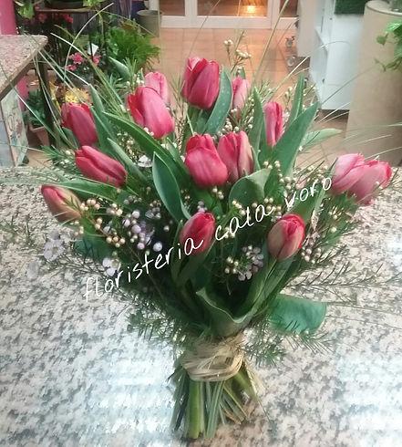 ramo tulipanes.jpg