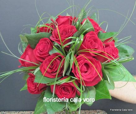 rosaroja_edited.jpg