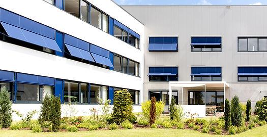 Bürogebäude_Glinde_-_Sonnenschutz_-_Blau
