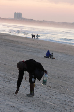 Beach cleaning in Baleal