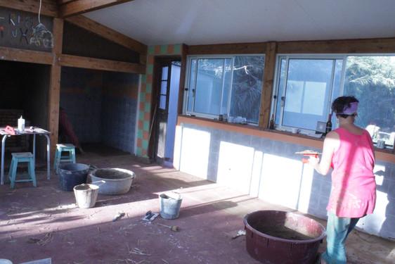 Eco-plastering at Terra Minha