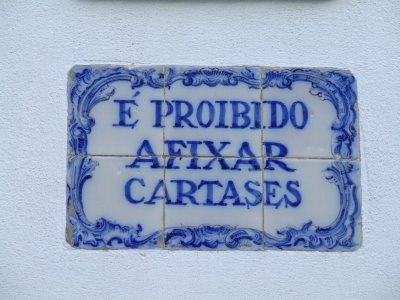 In an attempt to make these traditional messages found in commonplace around villages in Portugal, more relevant to my life, I played around with the frame. However, this made my interest for messages in tiles grow into something else.