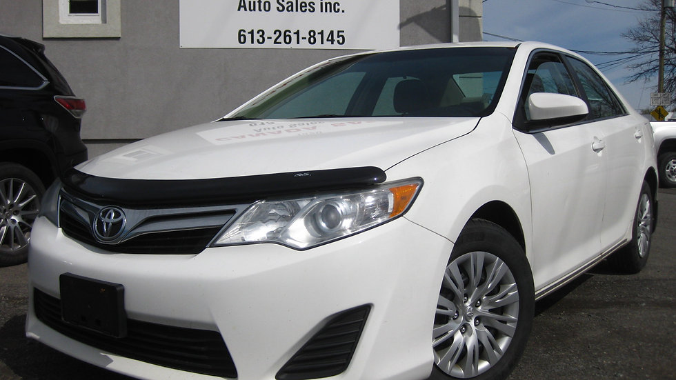 2014 Toyota Camry - 178 000 KMS