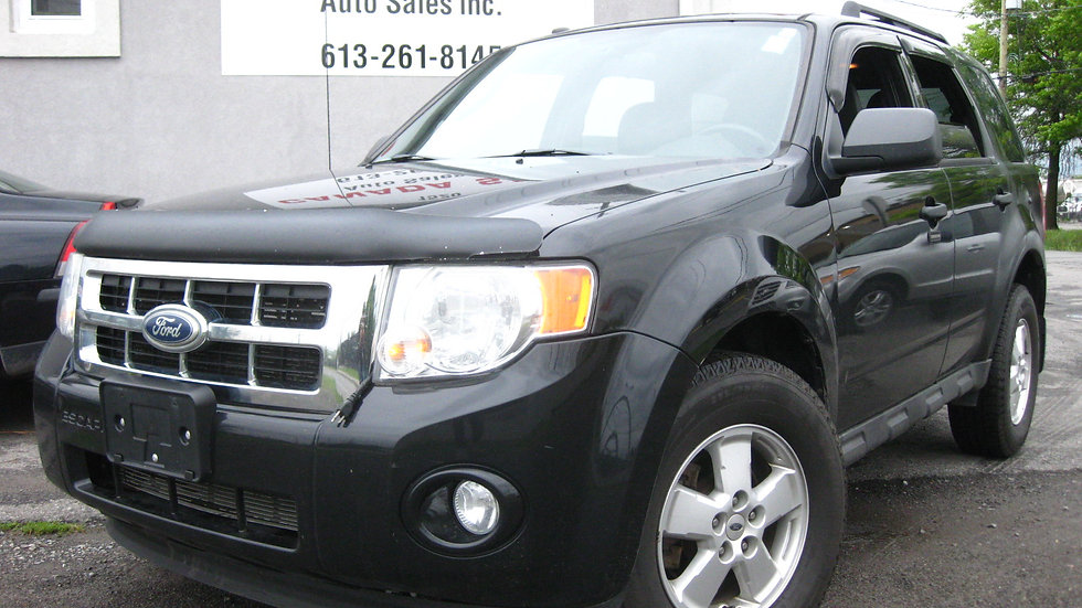 2010 Ford Escape - 141000 KMS