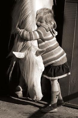hug-2665767_960_720.jpg
