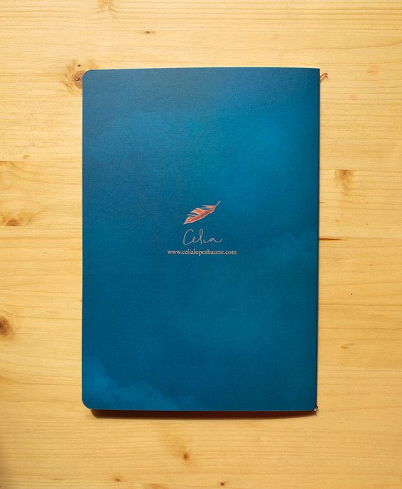 Contraportada Huir del nido (Azul de Prusia)