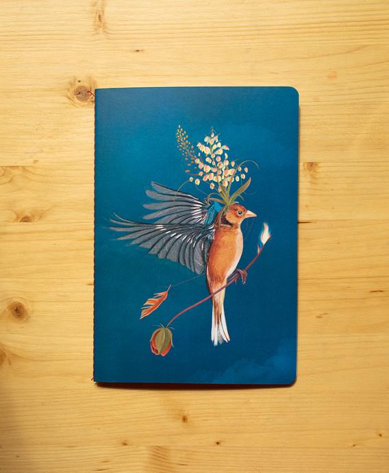 Portada Huir del nido (Azul de Prusia)
