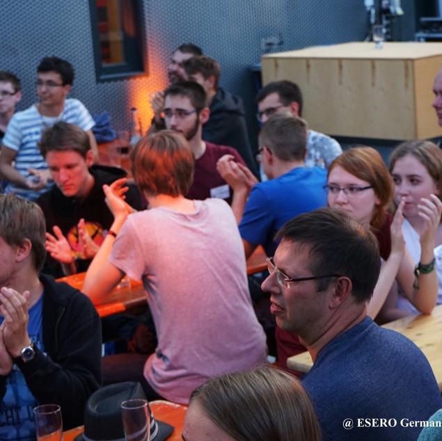 Blick_ins_Publikum_socialmedia.JPG