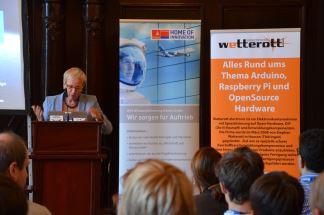 Senatorin Prof. Dr. Eva Quante-Brandt  eröffnet im Bremer Rathaus den Wettbewerb.  Foto: Spacebenefit (CC BY-NC 3.0 DE)
