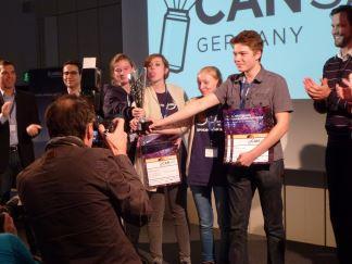 Die Sieger des ersten Deutschen CanSat-Wettbewerbs: Team spaceclub_berlin - im Sommer 2015 geht es  zum Europäischen Wettbewerb nach Portugal.  Foto: Christoph Bothe (CC BY 3.0 DE)