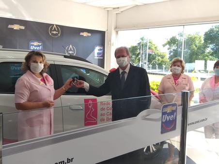 Rede Feminina do Combate ao Câncer recebe veículo oriundo de licitação