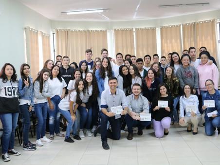 Aplicação de programa no EEB Governador Ivo Silveira