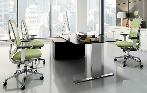 Caldo 81 Office Chair in an office setting