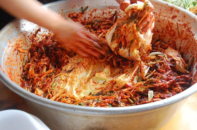 kimchi-making-KGFMMX2.jpg
