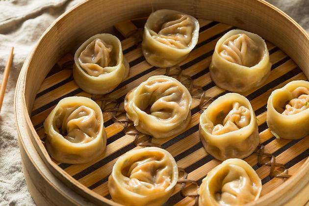 homemade-korean-kimchi-dumplings-XJFL62Z