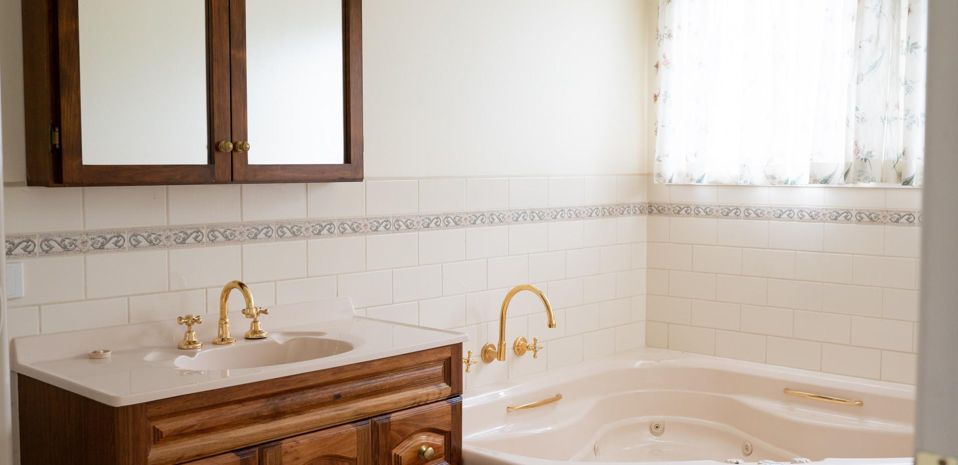 Unit 54 Bathroom