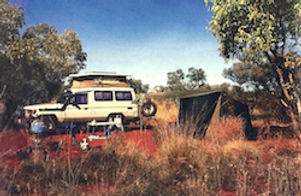 Bush camping (vehicle, tent)_i_p_c2_e.jp