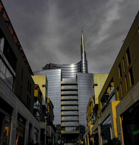 Unicredit Tower - Silver & Gold.jpg