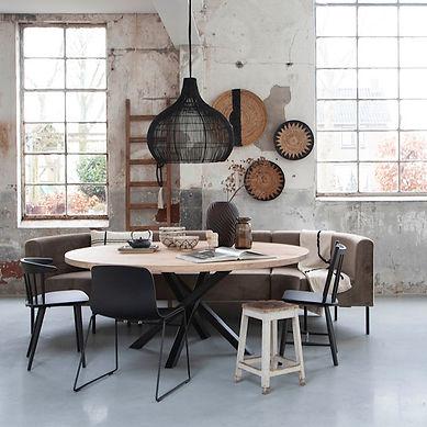 Ronde eettafel. Eettafel rond. Ronde tafel met metalen poot. Zwarte poot tafel.