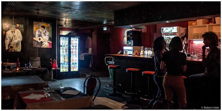 Jazz Fola-le bar.jpg