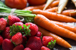 strawberries-and-carrots