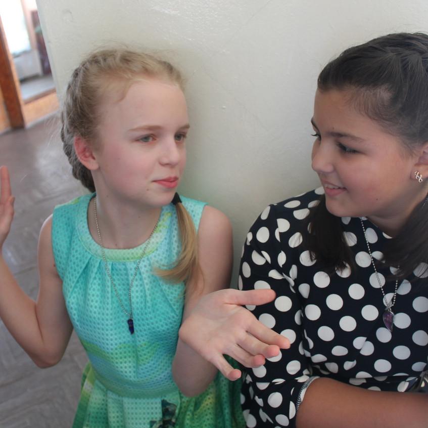 Полина и Аня