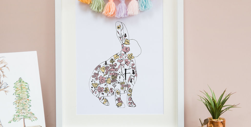 Initial Centre Floral Hare