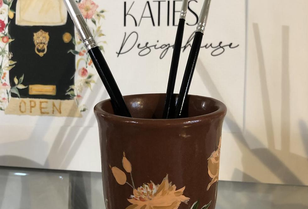 Peachy floral Paint Brush Pot & brushes