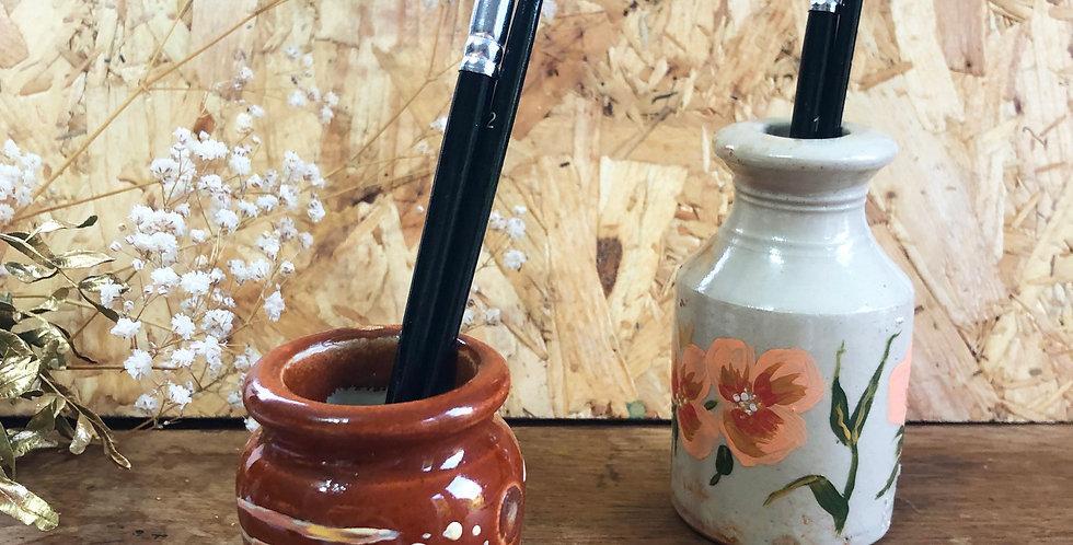 Peachy floral with spots - Paint Brush Pot