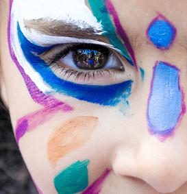 makeup-1909386_edited.jpg