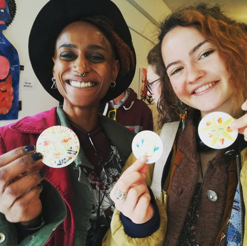 Amy Hutchings - community badge make