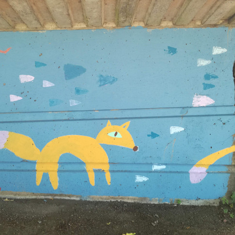 Amy Hutchings - Foxes play