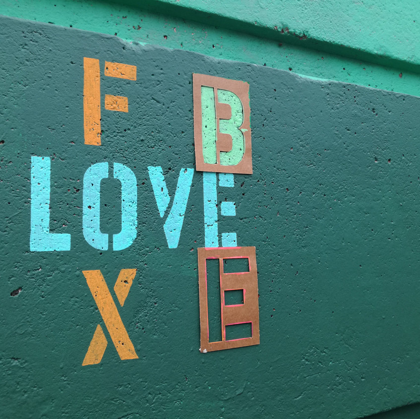 Amy Hutchings - Fox Love Bee