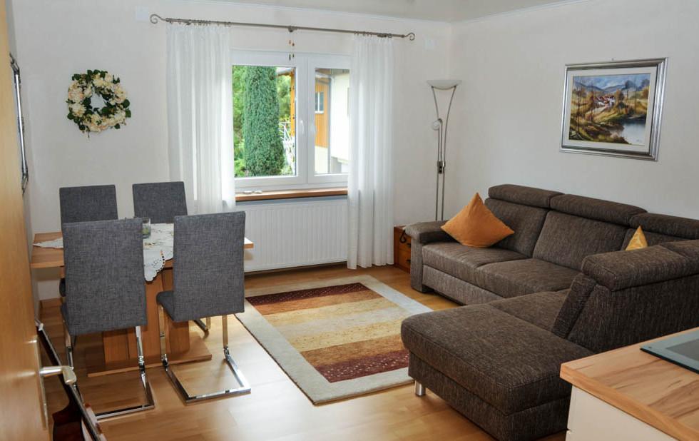 Wohnung Sitzbank 2 (1 von 1).jpg