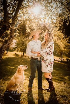 PNW photography near me, engagement photography, couple photography, orofino idaho photography,