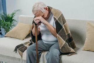 Dépression-personne-âgée-570x381.jpg