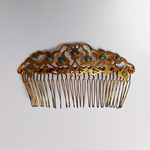 Extravagant Hairpiece