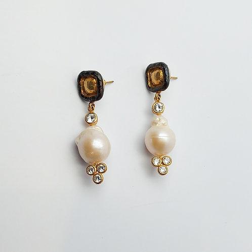 Extravagant Earring