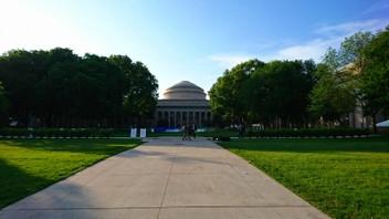 【学会発表/Conference】 Compound Semiconductor Week 2018 (CSW 2018, アメリカ)にて、冨岡准教授が一般講演を行ないました。