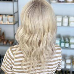 © Beauty Lab  by @sabrinamarie.hair