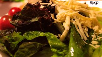 Folhas verdes & queijo