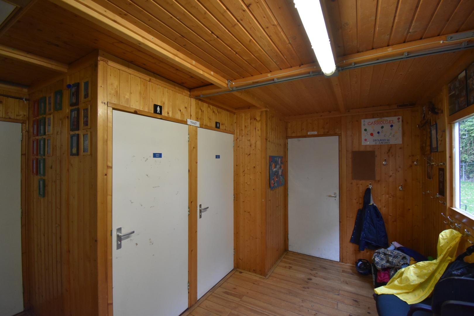 Hal en wc rechts
