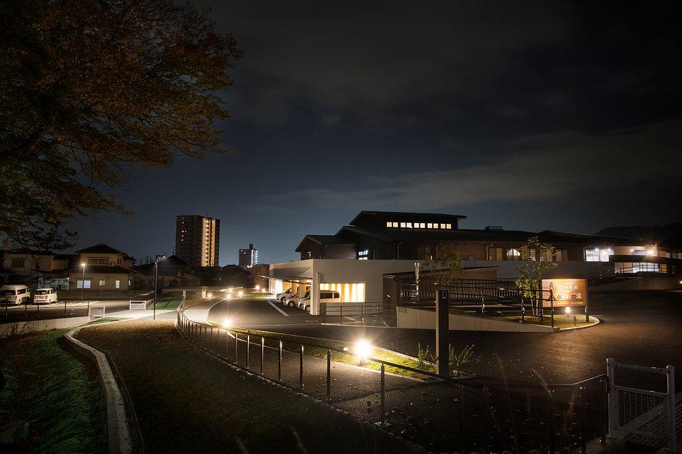 エントランス夜景