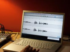voice_labtop.jpg