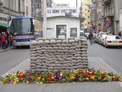 Es geht um die Gegend um den Checkpoint Charlie.