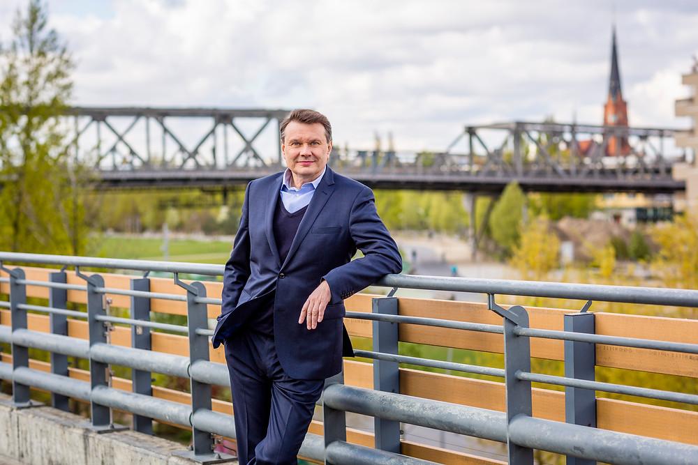 Burkhard Kieker, Geschäftsführer von visitBerlin im Gespräch. Foto: Thomas Kierok