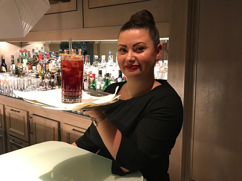 Bar Managerin Sheila Scheidemann, Berlinale Cocktail