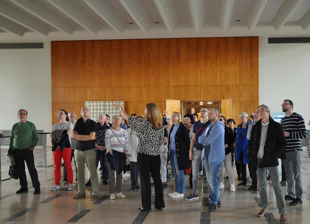 Die ESMT bietet Führungen durch das ehemalige Staatsratsgebäude