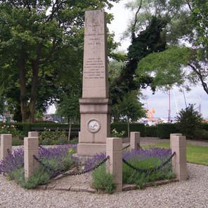 MONUMENT FOR DE FALDE SØFOLK FRA ÆRØ UNDER 1. VERDENSKRIG 1914-1918
